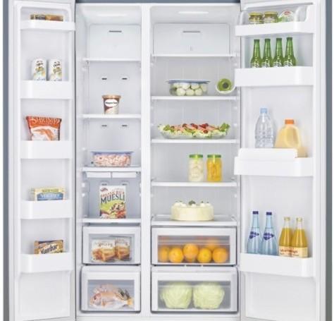 Le réfrigérateur congélateur side-by-side avec électronique intérieur  vous offre un affichage moderne et vous évite le dégivrage